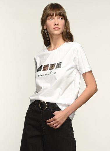 NGSTYLE Kadın Payet İşlemeli  Tişört NGKSS21TS0046 Beyaz